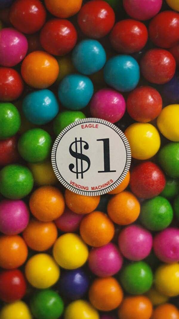 1ドルのマーブルチョコがたくさん