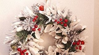 おしゃれな白いクリスマスリース
